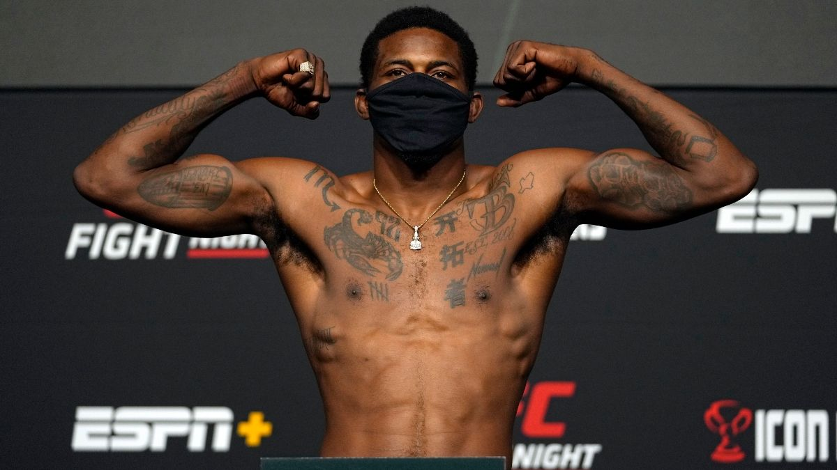 UFC Fight Night Odds & Picks: Kevin Holland vs. Kyle Daukaus Betting Preview (Saturday, October 2) article feature image