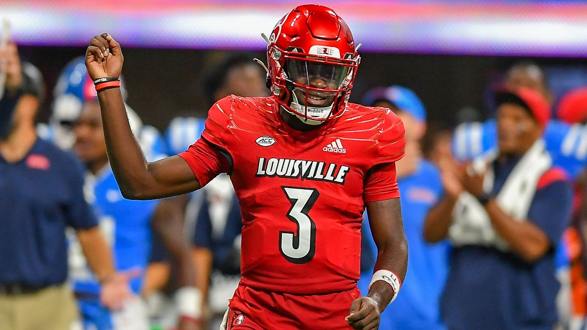 College Football Odds, Picks, Predictions for Virginia vs. Louisville: Back Cards With Small Play article feature image