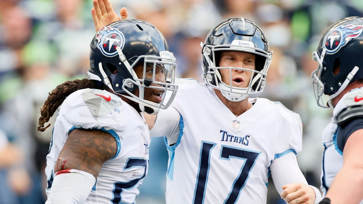 NFL Odds, Picks, Predictions: We We're Betting Favorites Like the Titans & Cowboys, Plus More Early Game Bets article feature image