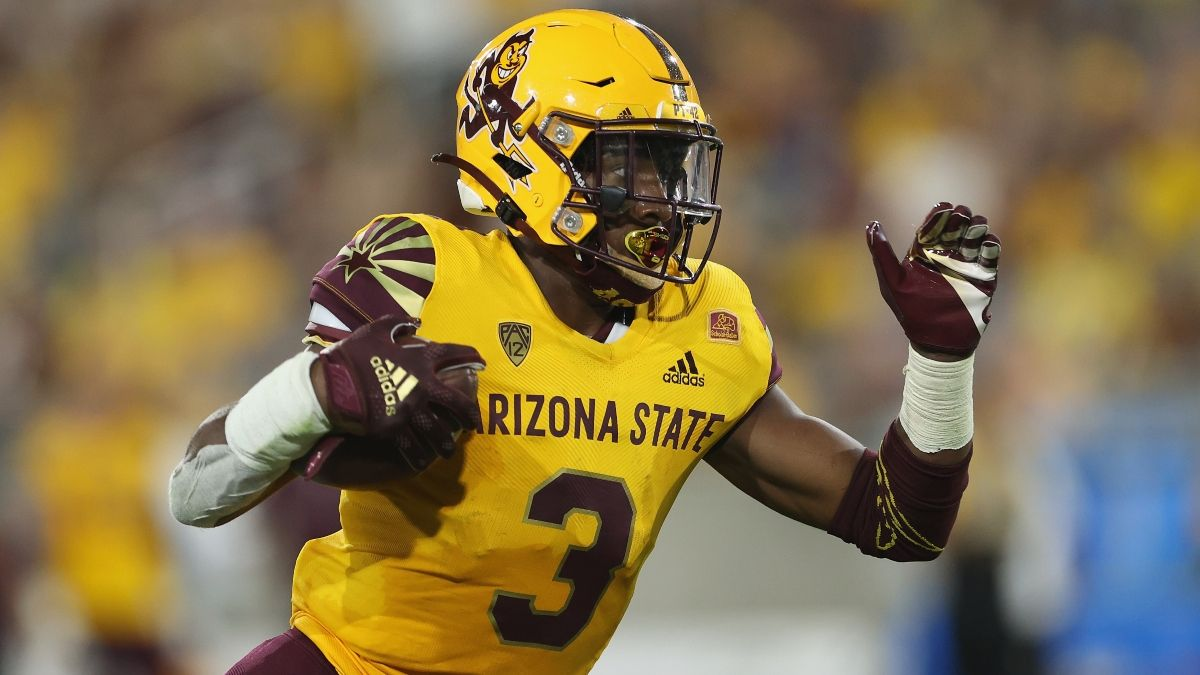 College Football Betting Model Predictions for Saturday: Arizona State vs. UCLA Attracting Smart Money article feature image