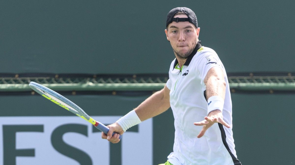 Sunday Tennis Best Bets: 2 Favorite Picks on BNP Paribas Open Afternoon Slate at Indian Wells (Oct. 10) article feature image