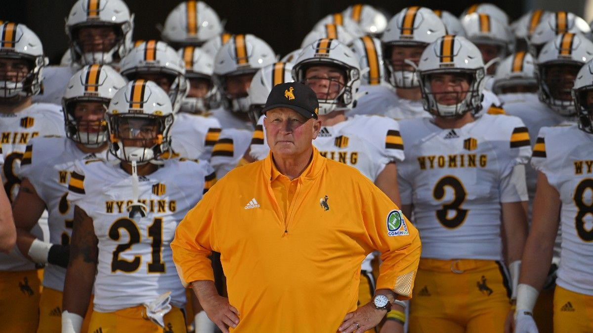 College Football Odds, Picks, Predictions for Wyoming vs. Air Force: Saturday's Betting Value on Pokes (Oct. 9) article feature image