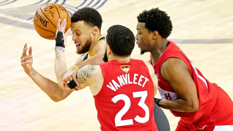 buy online a7180 d9dfd Moore: How the Raptors Have Worn Out Steph Curry and Created ...