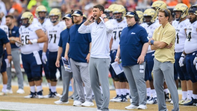 Akron-Miami (Ohio) Guide: Will Zips Finally Get Elusive Cover on Wednesday? article feature image