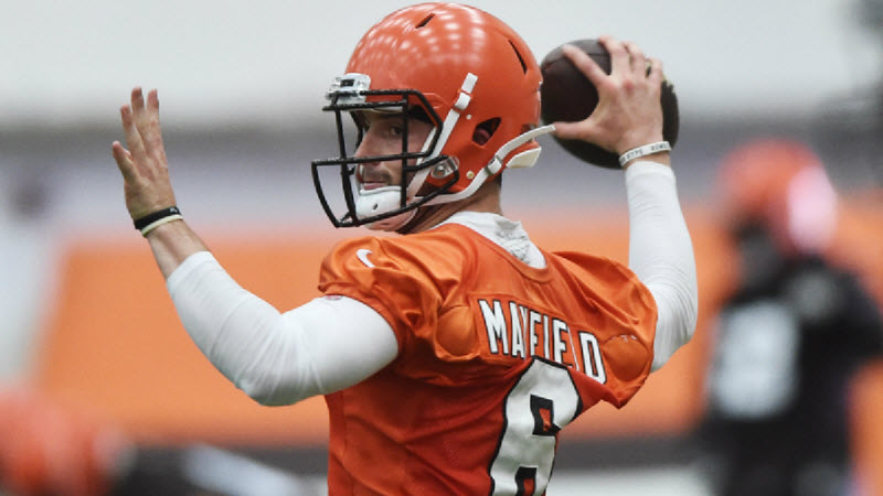 NFL Prop Bets: First-Round Rookie vs. Veteran Quarterback Competitions article feature image