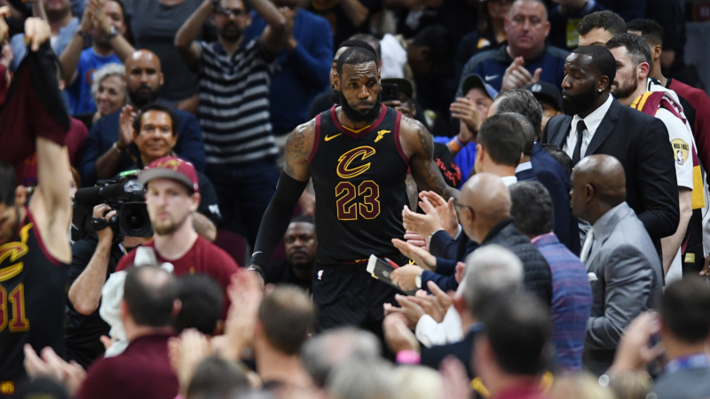 Tracking LeBron's Free Agency Odds: Lakers Clear Favorite to Land The King article feature image
