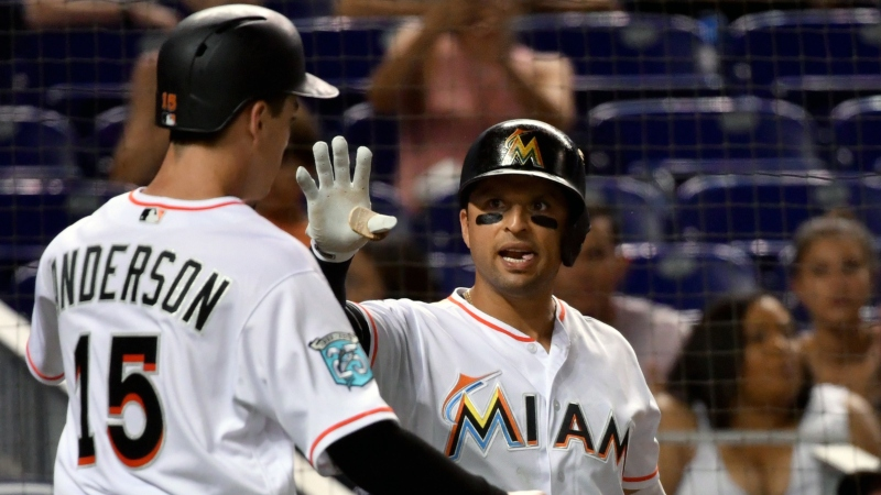 Friday Sharp Report: Pros Betting Phillies-Marlins, Two Other Games article feature image