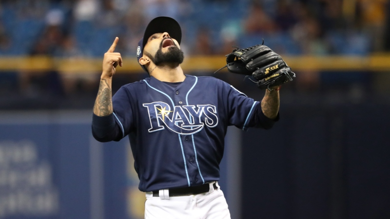 MLB Sharp Betting Report: Pros Hitting Two Afternoon Totals article feature image