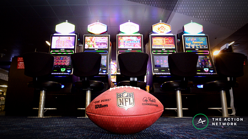 NFL Over/Under Betting Tips: Key Numbers to Know When Wagering on Totals article feature image