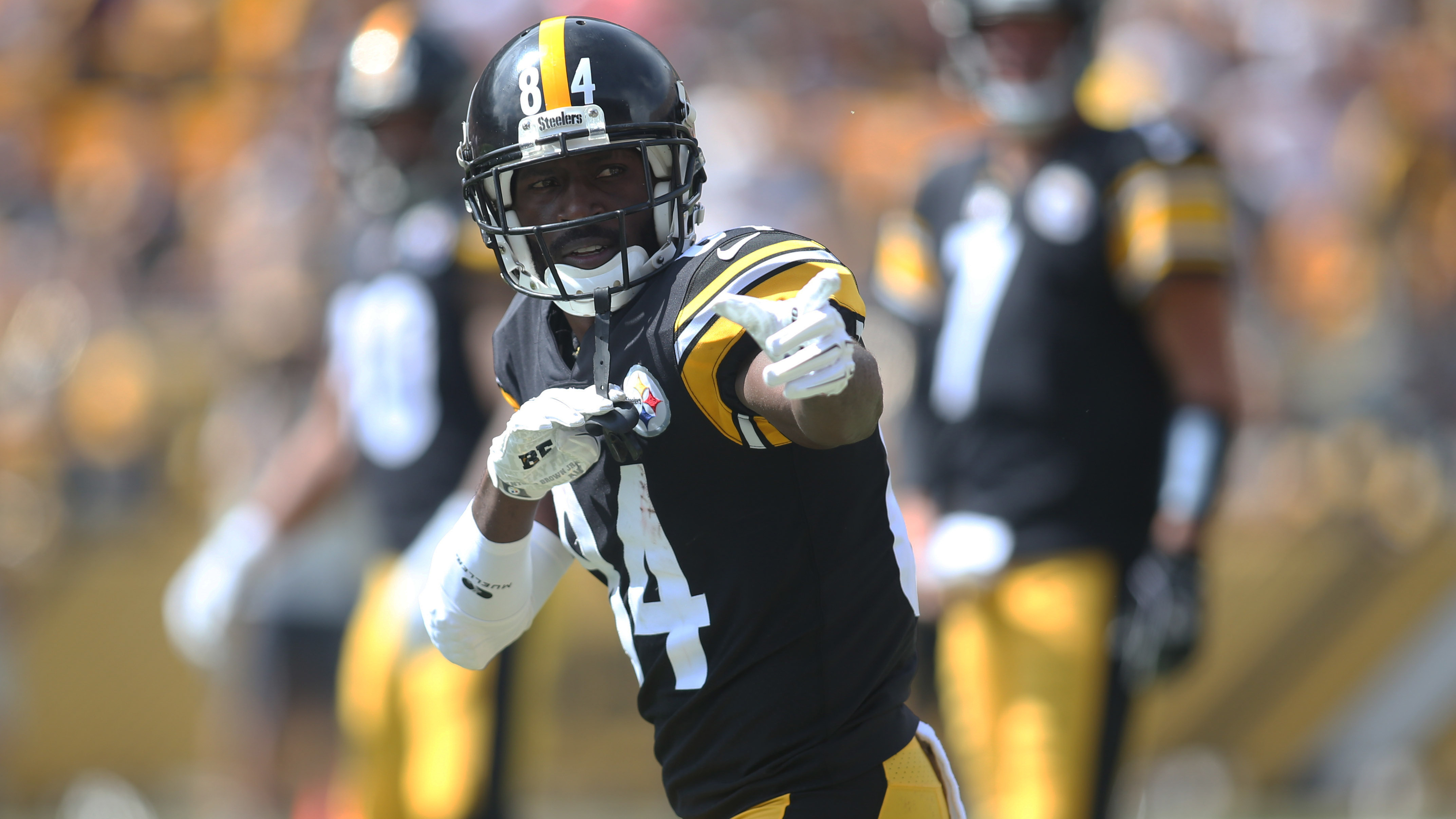 Freedman: Antonio Brown Is Falling Off a Cliff and No One