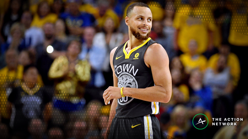 Vegas Bookmaker: Steph's Warriors Would Be Huge Favorites vs. Shaq's Lakers article feature image