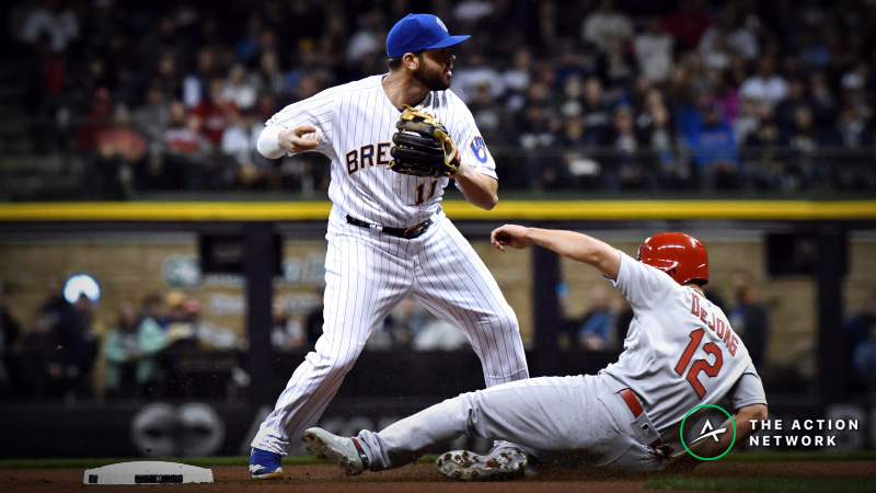 MLB Sharp Report: Pros Betting Cardinals-Brewers, 2 Other Saturday Games article feature image