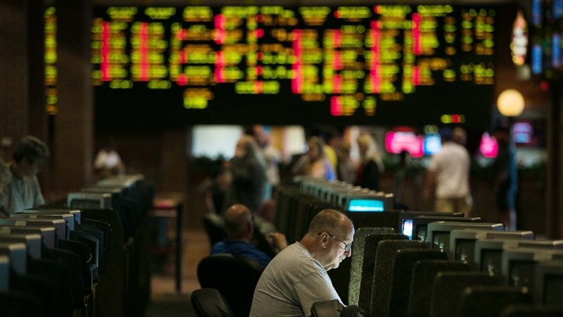 New Jersey's Sports Betting Handle Dips Below $300 Million for First Time Since October article feature image