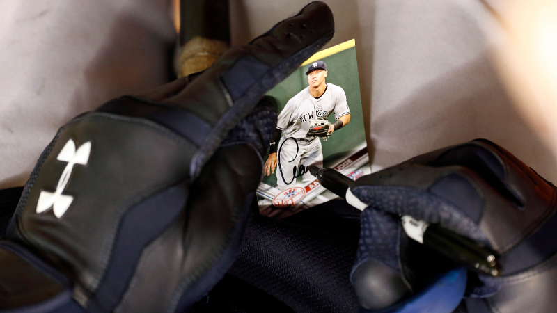 Rovell: A Look Inside the Scandal Rocking the Sports Memorabilia World article feature image