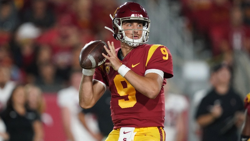 College Football Sharp Report: 5 Games Pros Are Betting, Including USC vs. BYU article feature image