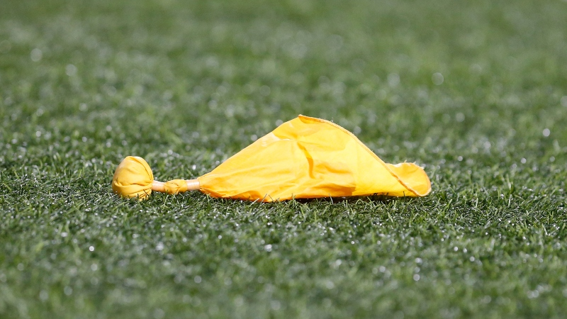 Barrage of Holding Penalties Affecting NFL Over/Unders Through Week 2 article feature image