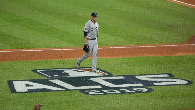 Astros vs. Yankees Sharp Betting Report: Public & Pros Divided on ALCS Game 5 article feature image