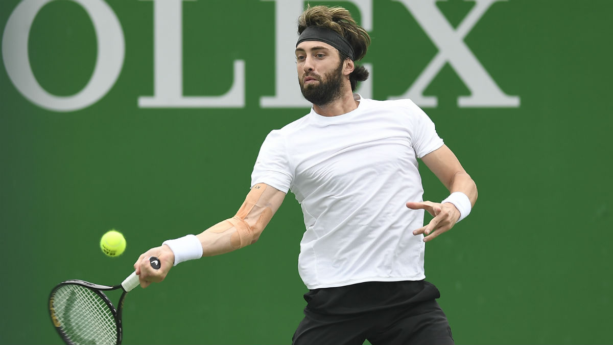 2020 Australian Open ATP Day 4 Betting Picks & Odds: Can Ymer Advance Past Khachanov? article feature image