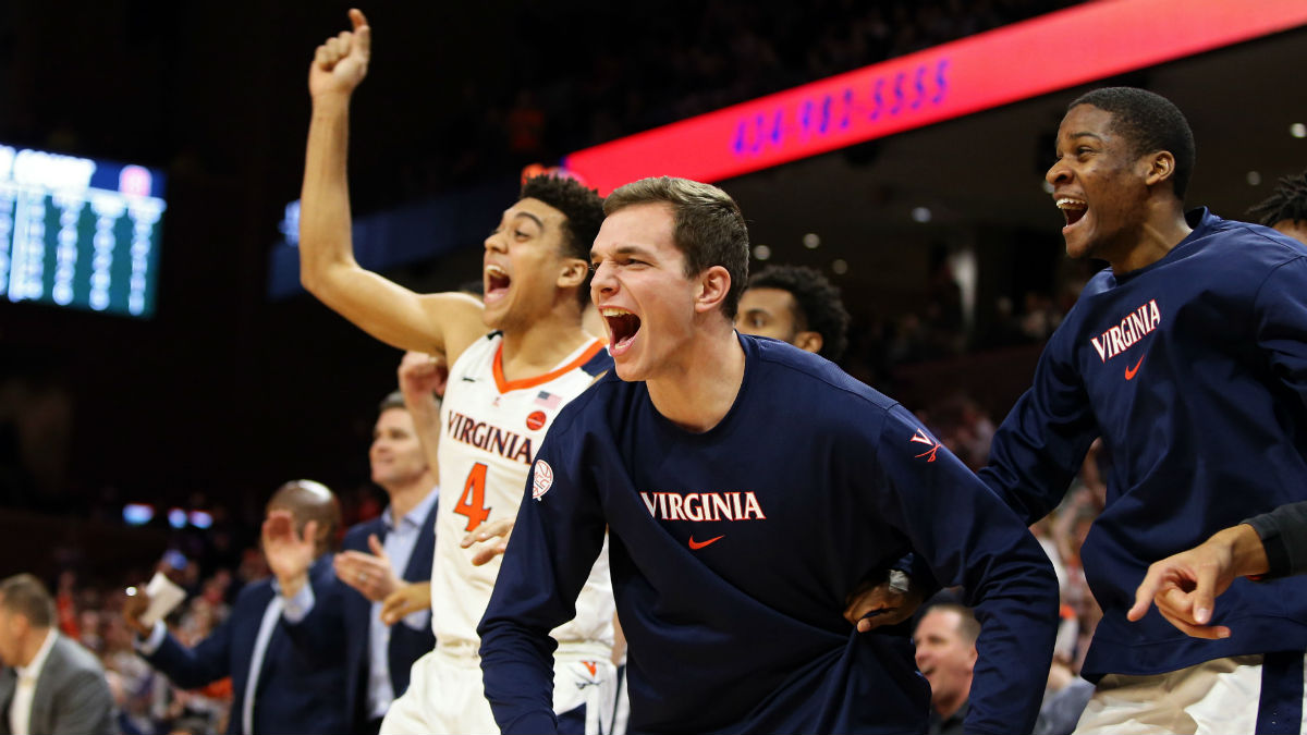 Tuesday College Basketball Betting Picks: Our Staff's 5 Favorite Bets article feature image