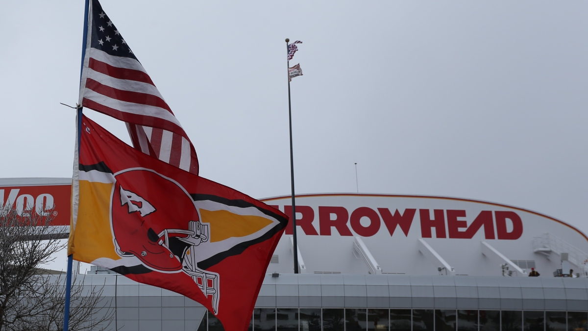 Updated Titans vs. Chiefs Weather Forecast & Betting Odds: Expect Wind & Bitter Cold Temps at Arrowhead Stadium article feature image