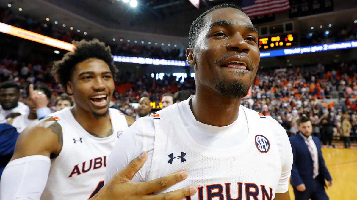 Wednesday College Basketball Betting Odds & Picks: Auburn vs. Alabama, Oklahoma vs. Iowa State article feature image