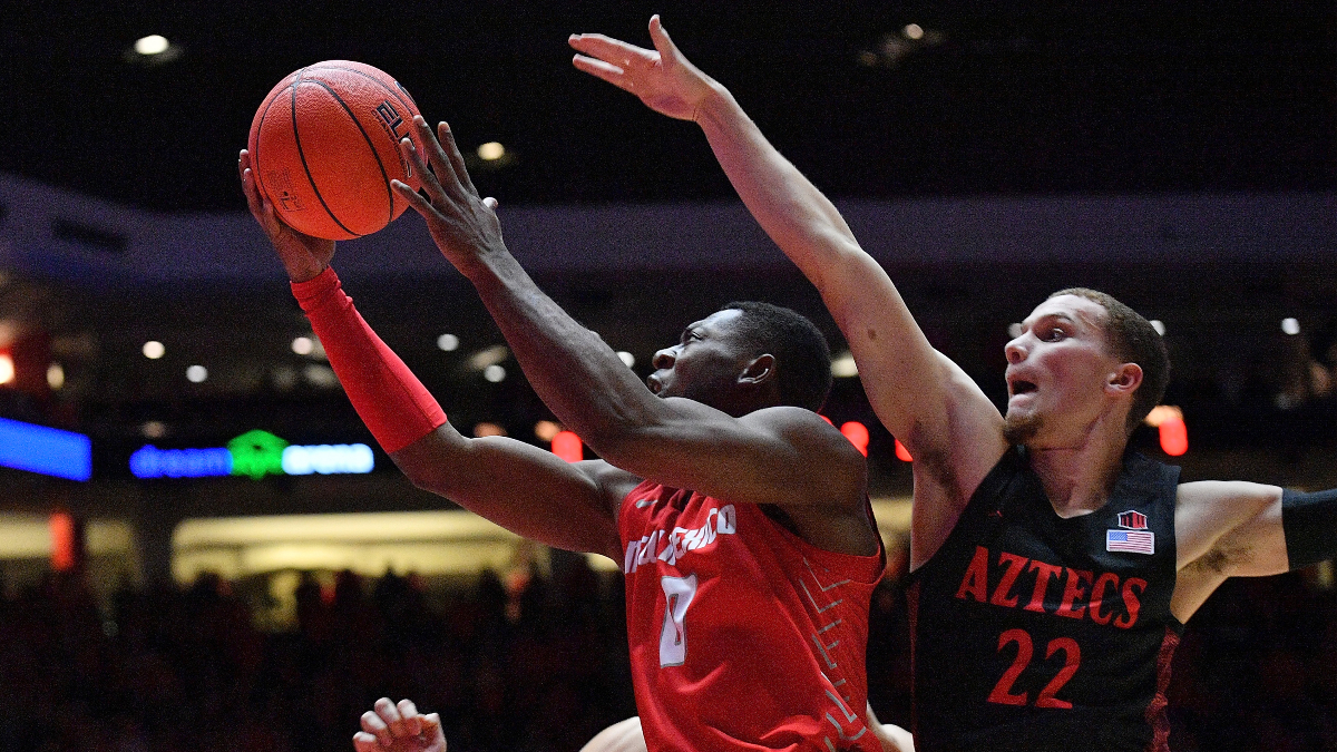 College Basketball Betting Picks: Our Staff's 5 Best Bets for Tuesday article feature image