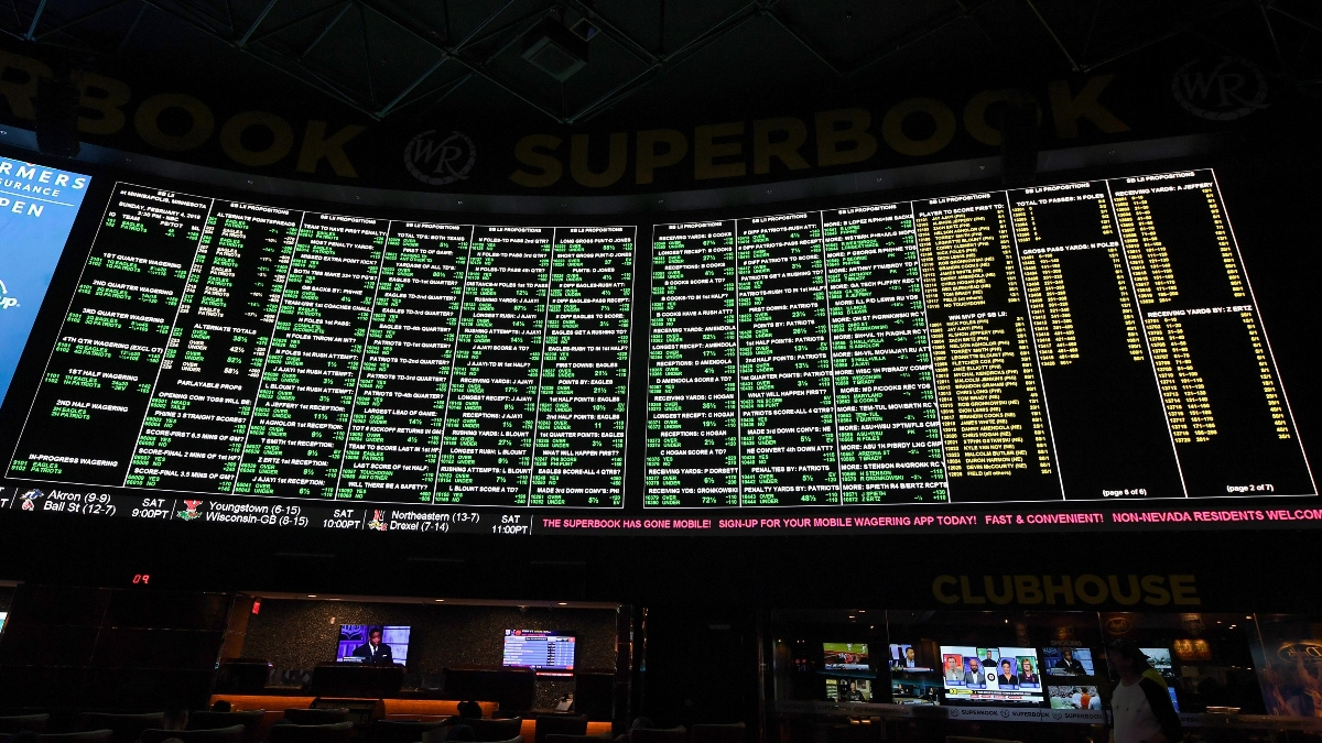 Rovell: New York Is Running Out of Time for Mobile Sports Betting in 2020 article feature image