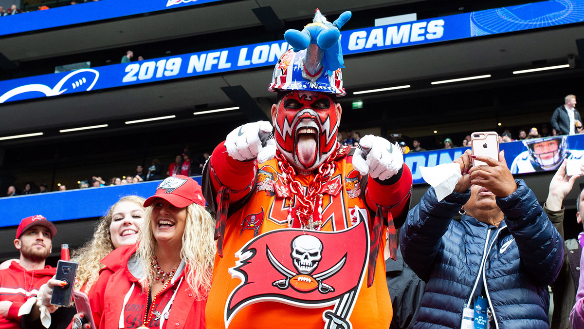 Tom Brady & Buccaneers Odds & Promotions: Get Boosted Odds on Tampa Bay to Win Super Bowl & More article feature image