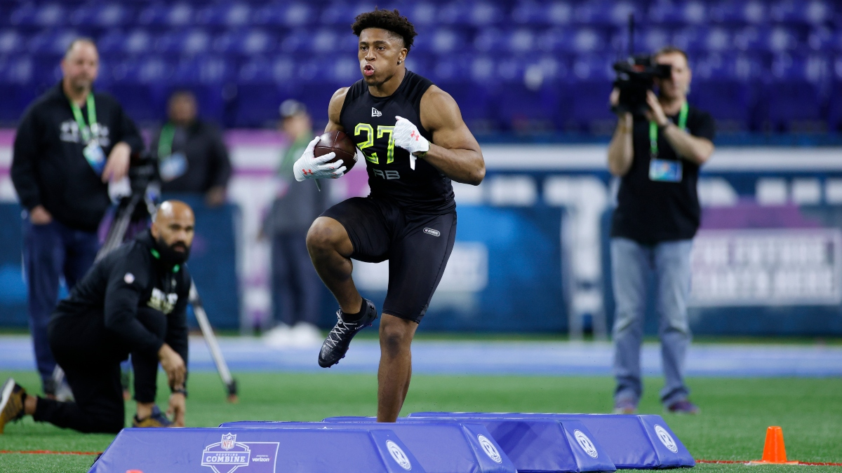 2020 NFL Draft Odds & Prop Picks: First Running Back to Be Drafted article feature image