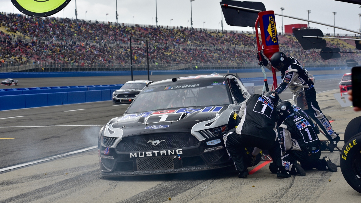 NASCAR FanShield 500 Best Bets: The 2 Favorites & 1 Underdog to Bet at Phoenix on Sunday article feature image