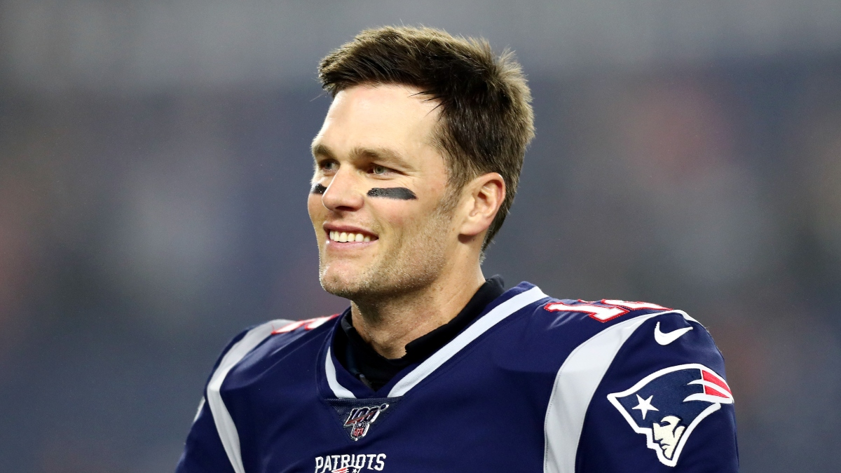 Tom Brady Free Agency Odds: Patriots Favored to Sign Brady article feature image