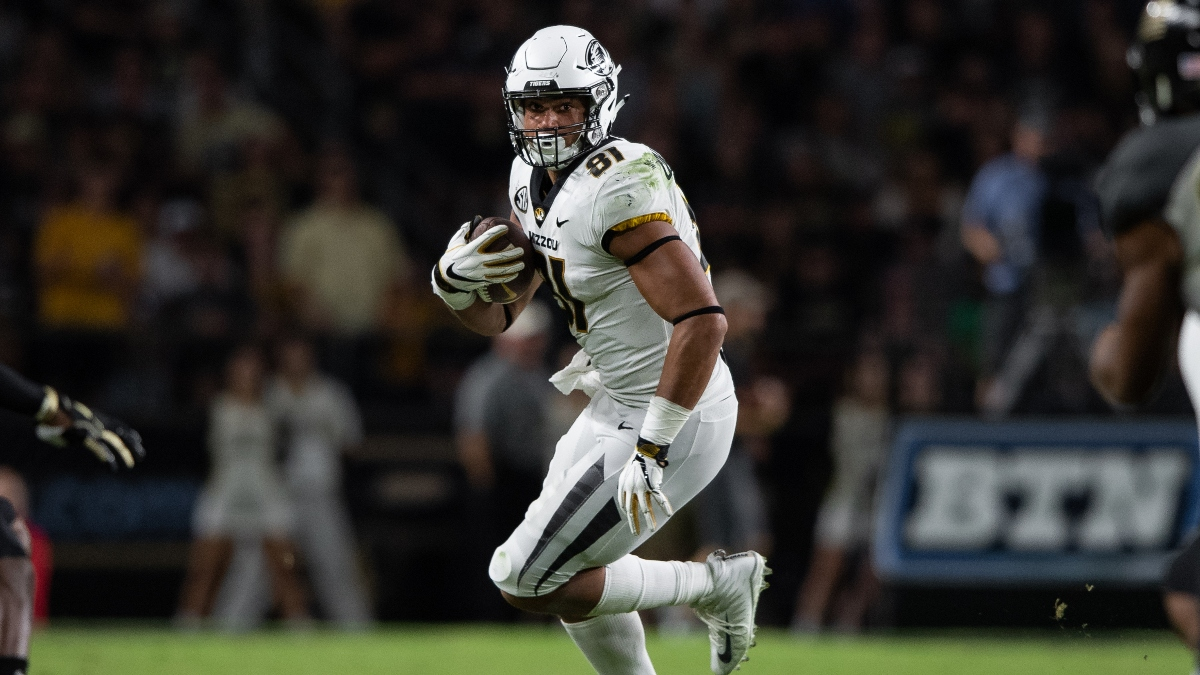 2020 NFL Draft Best Bets: Our Staff's Favorite Longshot Picks for Round 1 article feature image