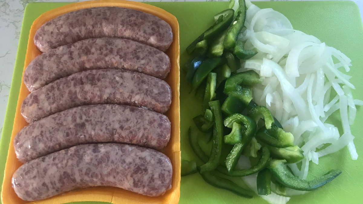 The Ultimate Beer Brats Tailgating Recipe for Your Sports Betting Sweat article feature image