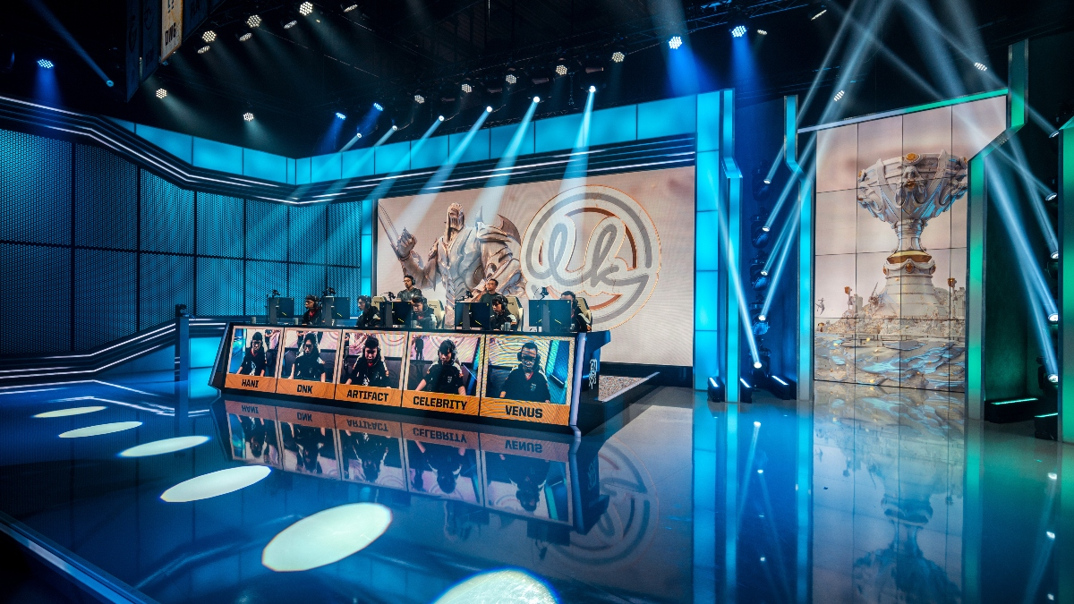 LOL Betting Odds and Picks: LEC and LCS Playoffs Betting Preview (April 10-11) article feature image