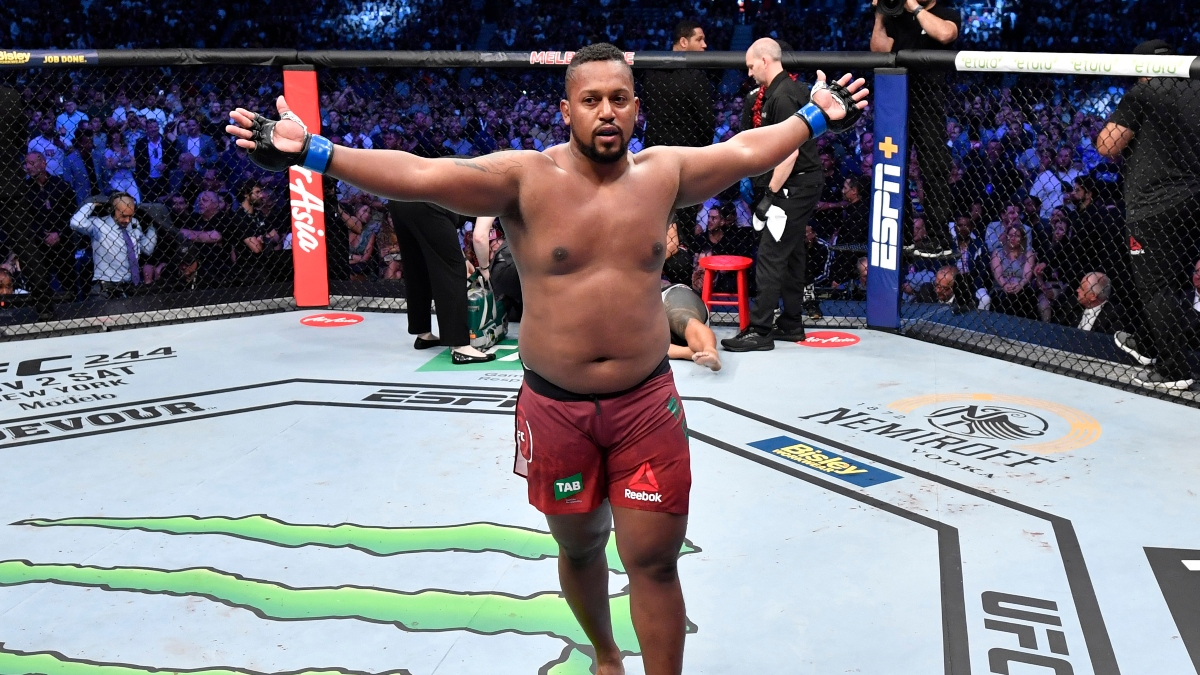 Greg Hardy vs. Yorgan De Castro Pick, Prediction & UFC 249 Best Bet: Should You Take the Underdog? article feature image