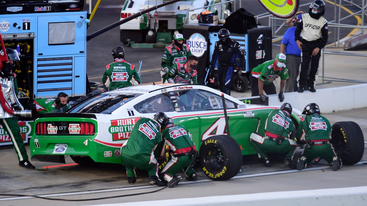 NASCAR at Homestead DraftKings Picks: DFS Strategy & Analysis for Sunday's Dixie Vodka 400 article feature image
