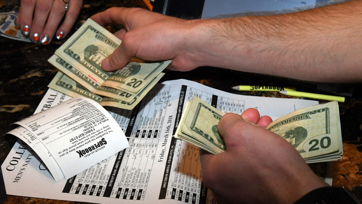 A Digital Vegas? Nevada Takes First Step Toward Cashless Sports Betting article feature image