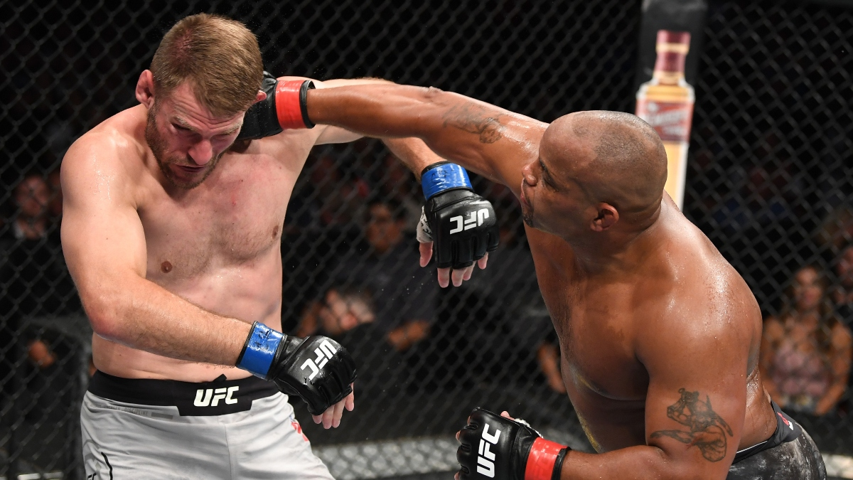 UFC 252 Odds, Picks & Promotions: Bet $10, Win $100 if Miocic-Cormier Lasts 1 Round! article feature image