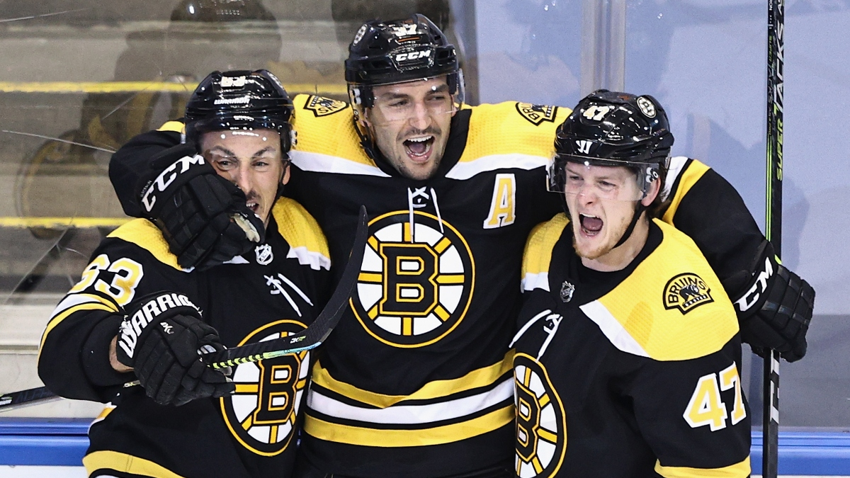 NHL Betting Odds, Picks & Predictions: Hurricanes vs. Bruins Game 2 Preview (Thursday, August 13) article feature image