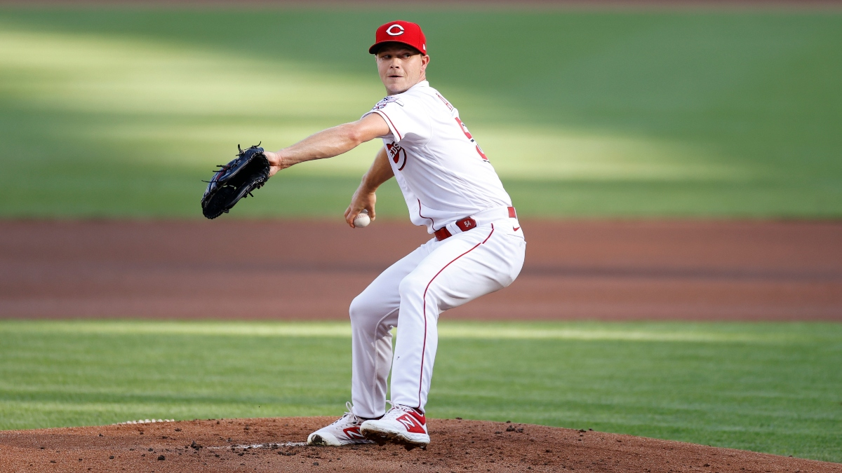 MLB Odds, Picks & Predictions: Indians vs. Reds (Monday, August 3) article feature image