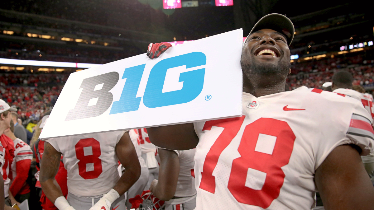 Big Ten Votes to Resume College Football Season in October article feature image