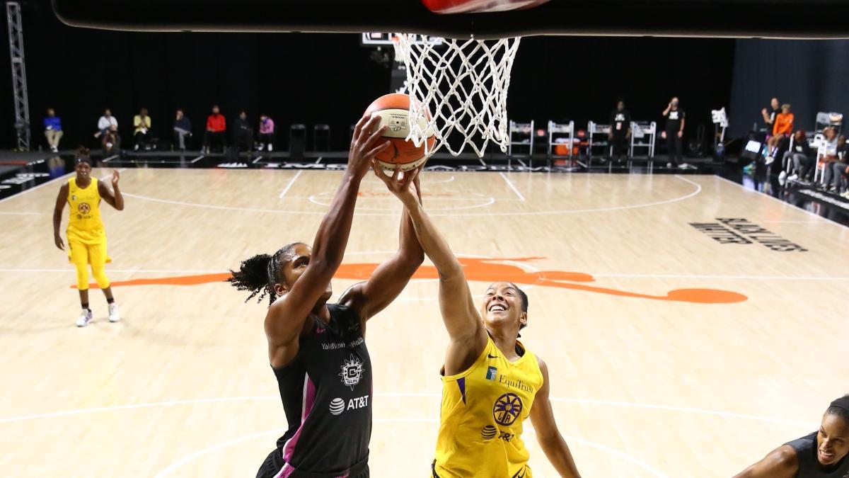 WNBA Odds & Picks: Connecticut Sun vs. Los Angeles Sparks (Thursday, Sept. 17) article feature image