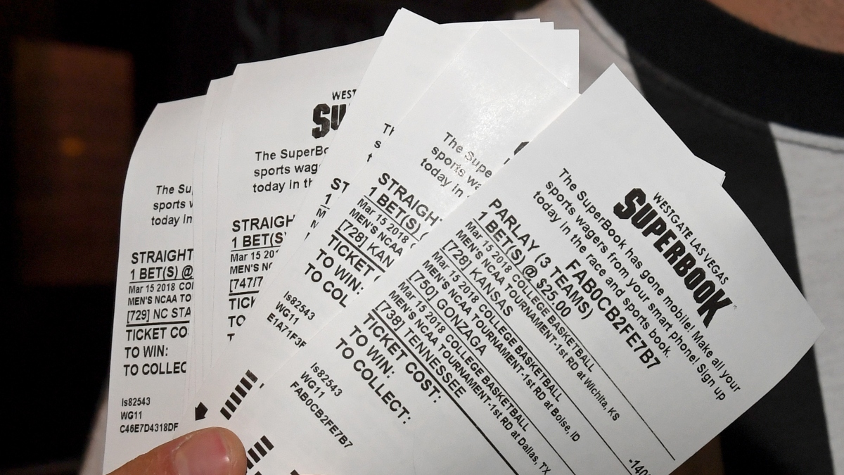 use multiple sports books when betting on baseball