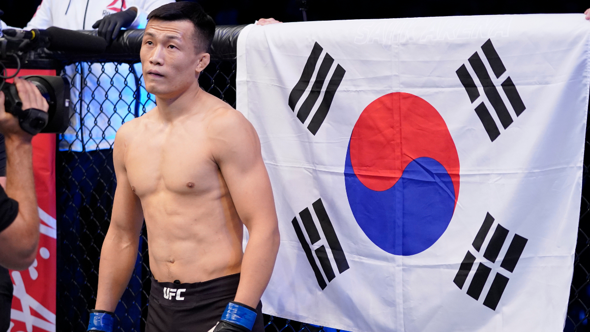 UFC Fight Night Betting Odds: The Korean Zombie Favored to Finish Brian Ortega at Fight Island article feature image
