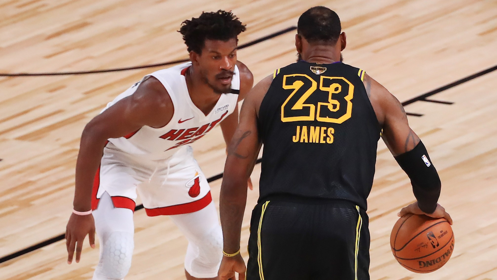 NBA Finals Betting Angles: The Many Reasons For the Game 6 Under (Sunday, Oct. 11) article feature image