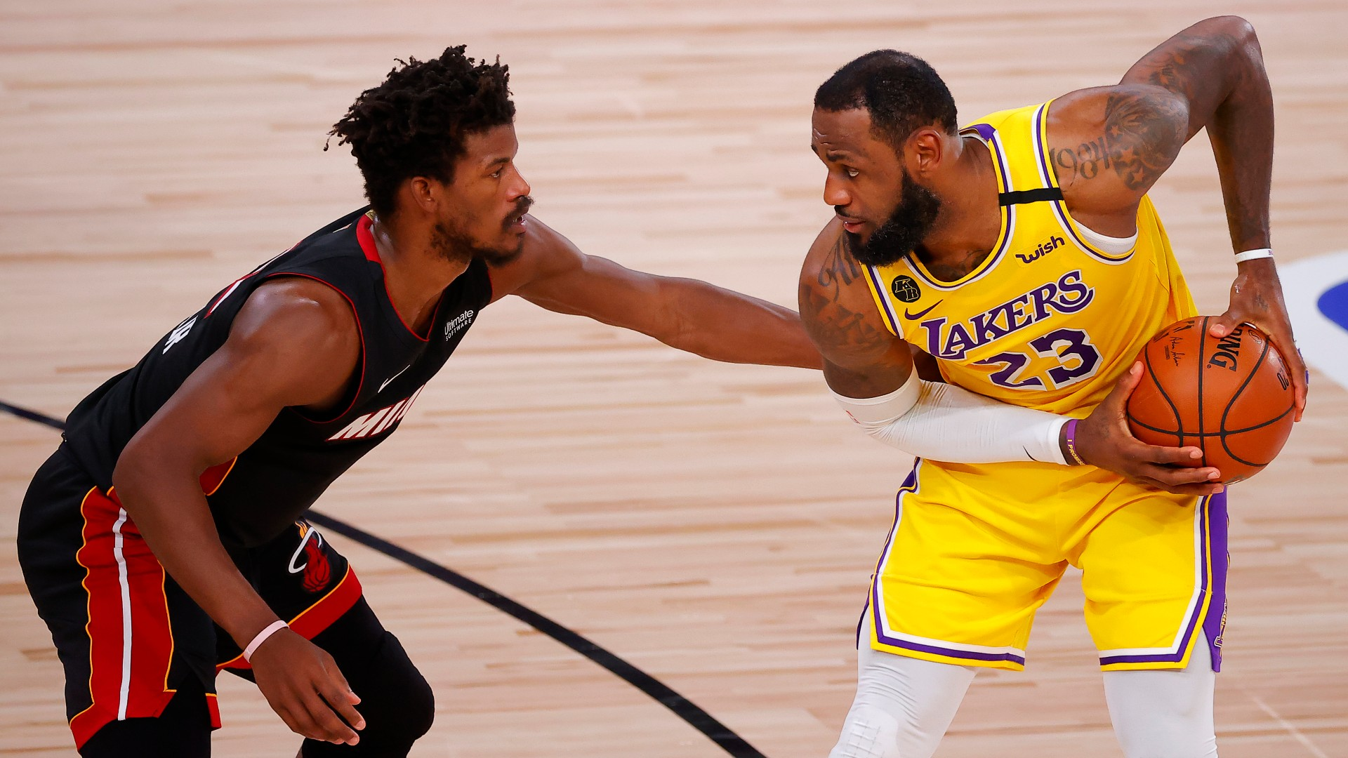 NBA Finals Betting Odds, Picks & Predictions: Los Angeles Lakers vs. Miami Heat Game 5 (Friday, Oct. 9) article feature image