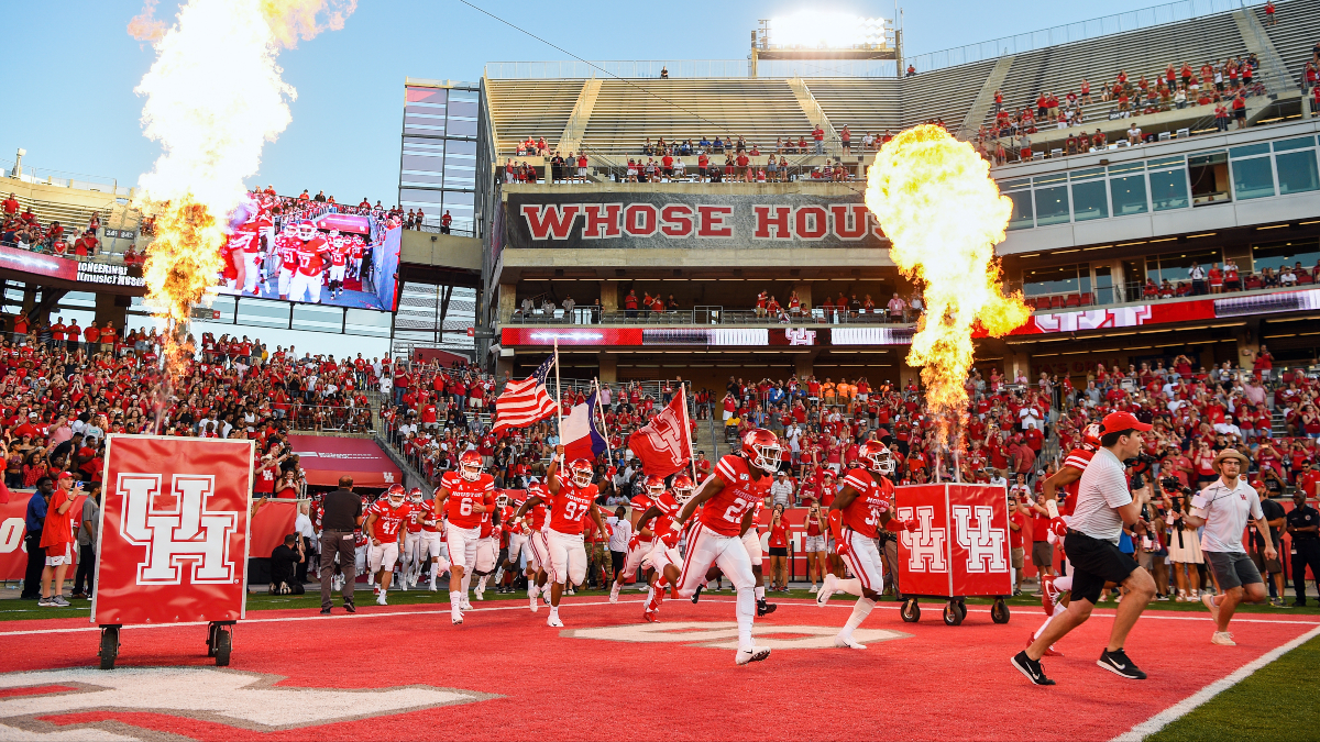 Houston vs. BYU Updated Odds & Pick: Cougars Compete for Playoff Preeminence (Friday, Oct. 16) article feature image