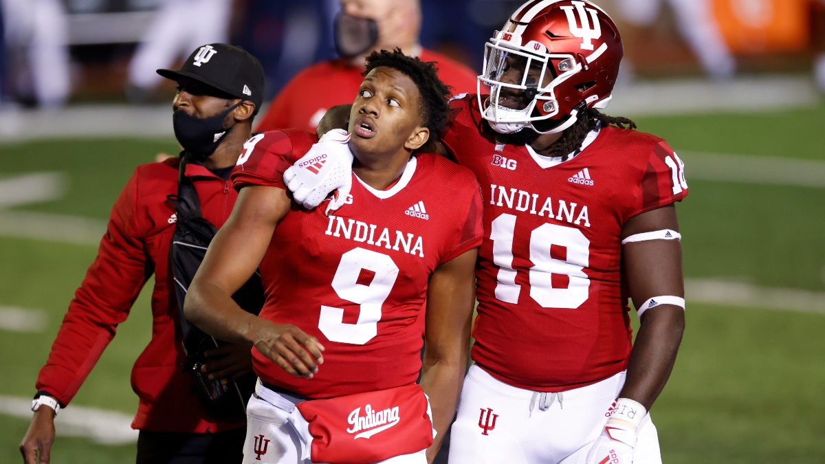 College Football Misleading Box Scores: Veritable Victors, Dubious Dominators & Bona Fide Busts from Week 8 article feature image