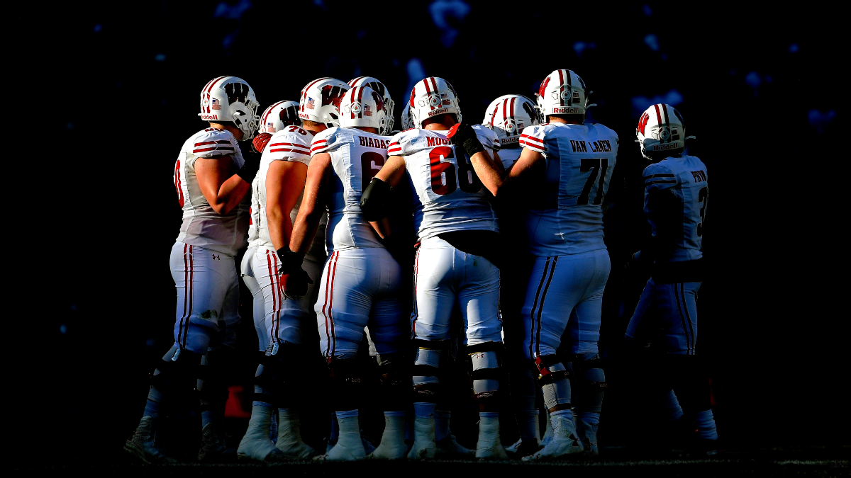 Wisconsin vs. Illinois Betting Odds & Pick: Will the Badgers Cover This Large Spread? (Friday, Oct. 23) article feature image
