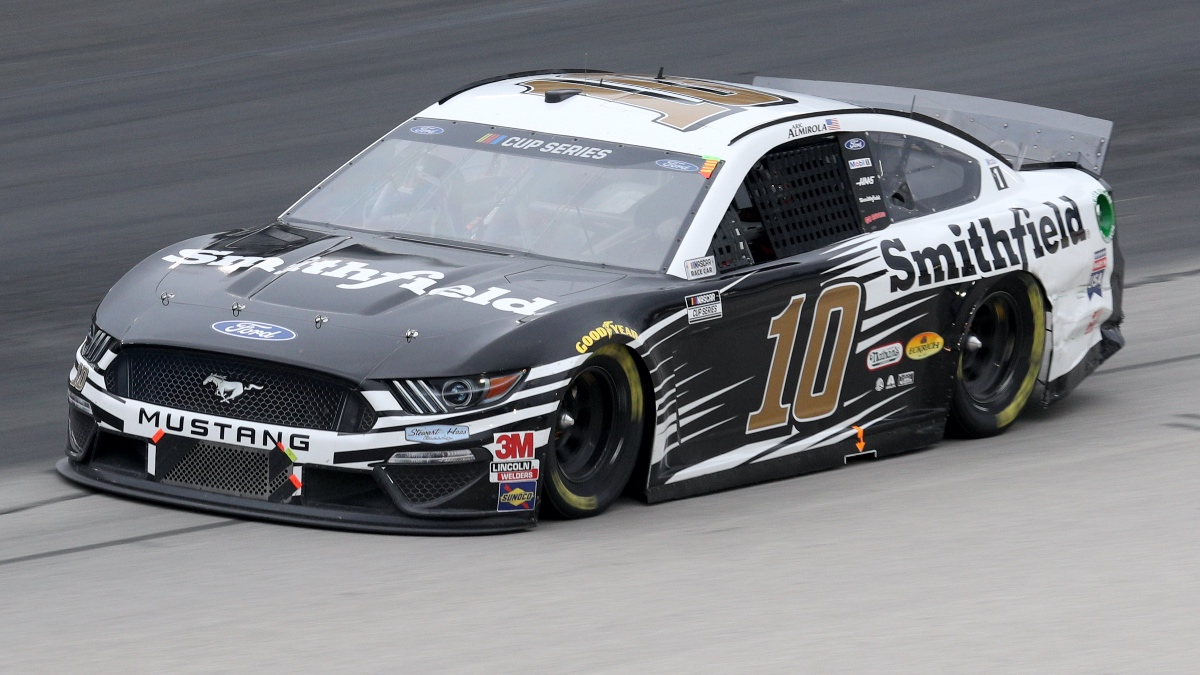 NASCAR at Phoenix Betting Odds & Picks: Two Important Props for Sunday's Season Finale 500 (Nov. 8) article feature image